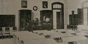 FUENTE: Aula de la escuela de Magazos en 1916, en Viveiro (Lugo). | Consello da Cultura