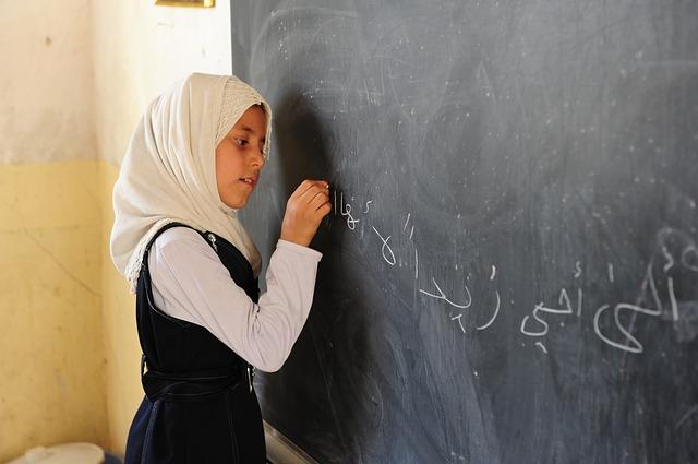 Fuente:http://pixabay.com/es/ni%C3%B1a-ni%C3%B1o-estudiante-bebel-irak-